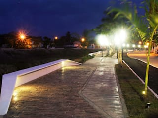 PASEO RIO VIEJO : Jardines de estilo  por STUDIO 360
