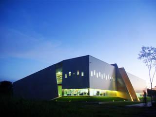 LABICAM: Escuelas de estilo  por STUDIO 360