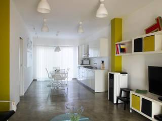 CASA OC: Cucina in stile in stile Eclettico di Laboratorio di Progettazione Claudio Criscione Design