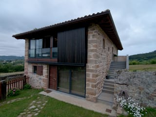 Vivienda en Vega de Selorio: Casas de estilo  de RUBIO · BILBAO ARQUITECTOS, Rural
