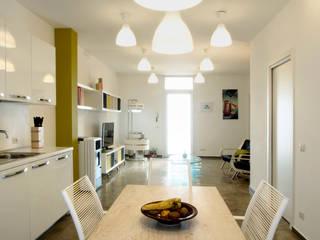 CASA OC: Cucina in stile  di Laboratorio di Progettazione Claudio Criscione Design