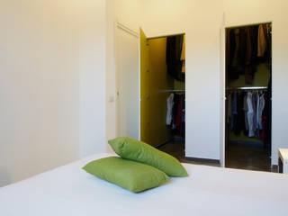 CASA OC: Spogliatoio in stile  di Laboratorio di Progettazione Claudio Criscione Design