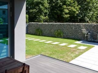 Nowoczesne nawierzchnie - taras i ogród Nowoczesny ogród od Modern Line Nowoczesny