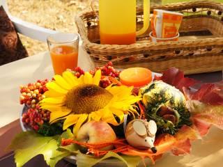 Herbstschale, stimmig mit Blumen und Deko.:   von Bastelspass24