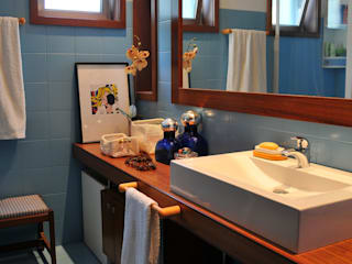 Luisa Pinho Arte e Decoração Bagno moderno Blu