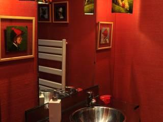 Luisa Pinho Arte e Decoração 現代浴室設計點子、靈感&圖片 Red