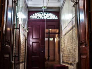 Bastos & Cabral - Arquitectos, Lda. | 2B&C Pasillos, vestíbulos y escaleras de estilo ecléctico