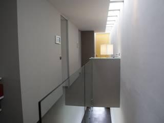 Corridor & hallway by Interior 3 Arquitectura