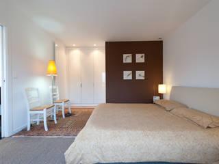 LA CUISINE DANS LE BAIN SK CONCEPT Dressing roomWardrobes & drawers White