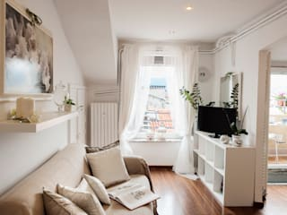 Ruang Keluarga by Loredana Vingelli Home Decor
