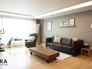 Salas de estilo escandinavo de LYCKA interior & styling Escandinavo