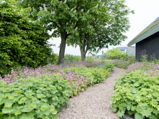 Country style garden by Dutch Quality Gardens, Mocking Hoveniers Country