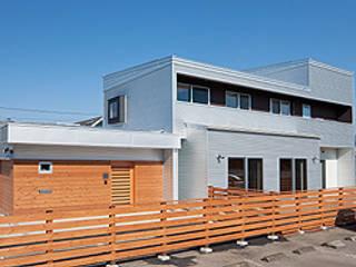 Maisons modernes par 株式会社デザインスタジオ麦工房 Moderne