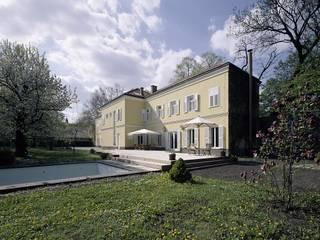 STADTVILLA Landhäuser von DREER2 Landhaus