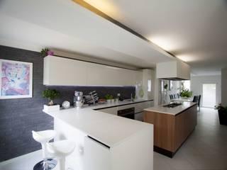 Cozinhas  por Studio HAUS , Moderno