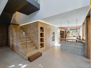 Casa em S. Pedro do Estoril: Cozinhas  por Ricardo Moreno Arquitectos,Moderno