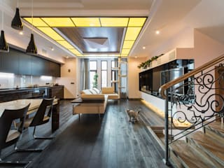Дизайн проект интерьера загородного дома в КП Покровский: Гостиная в . Автор – r-interiors