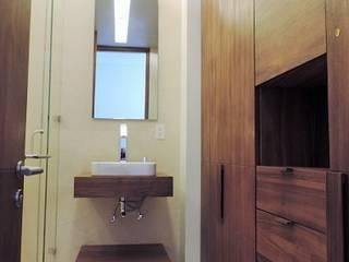 Baño :  de estilo  por Spazio Interior
