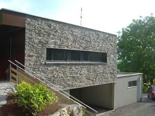 Aussenfassade :  Praxen von Hergan Architektur