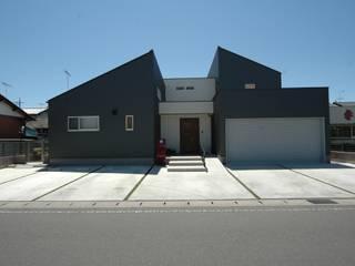 合同会社 栗原弘建築設計事務所 Casas de estilo moderno