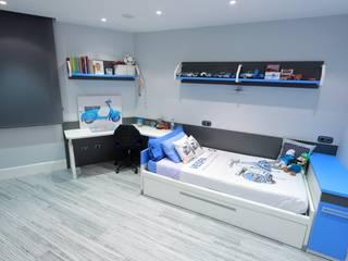 Dormitorios de estilo  por construcciones y reformas Viguera