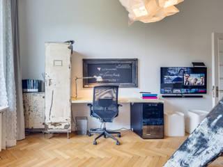 Dormitorios de estilo moderno por Studio Stern