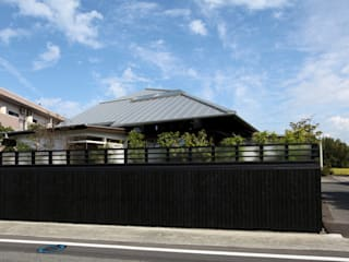 フィールド建築設計舎 Eclectic style houses Wood Black