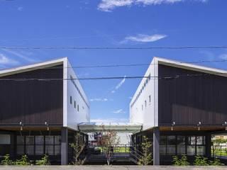 Modern houses by フィールド建築設計舎 Modern