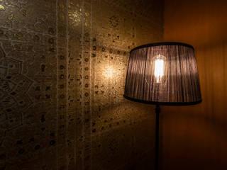 Chambre asiatique par Medie Interieurarchitectuur Asiatique Textile Ambre/Or