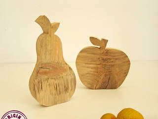 Apfel und Birne aus verwittertem Holz:   von Elfenwinkel