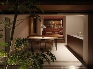 新根塚町の家: 深山知子一級建築士事務所・アトリエレトノが手掛けたダイニングです。