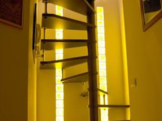 Rimini Baustoffe GmbH Modern Corridor, Hallway and Staircase Glass Amber/Gold