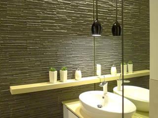 sypialnia z łazienką Moderne Badezimmer von Archomega Modern