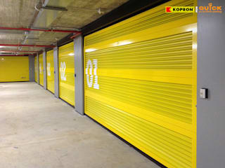 Kopron for Quick - No Problem Parking Kopron S.p.A. Garage/Rimessa in stile moderno