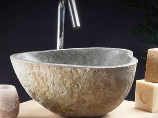 ref NB Vasque nue taillée dans de la pierre de rivière :  de style  par Olympia