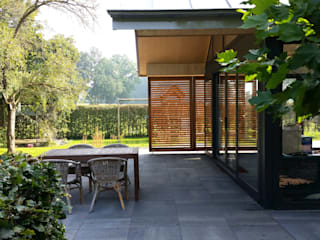 Terrace by TS architecten BV, Modern