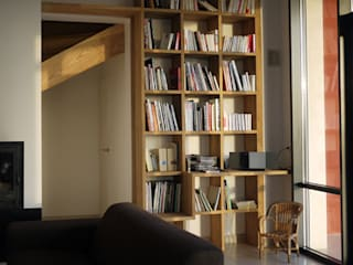 """""""Escoulis"""" Haus:  Wohnzimmer von EOS"""