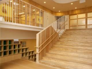 フィールド建築設計舎 Modern walls & floors Wood Beige