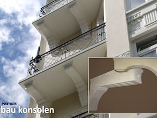 Neue Balkonkonsolen: klassische Häuser von TRAX-MATTHIES Säulen Balustraden Stuck