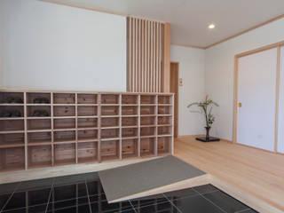 de estilo  por 福井建築設計室, Clásico