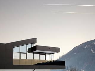 TOP LEVEL APARTMENTS:  Hotels von EINFACH3 Architekten Ziviltechniker KG