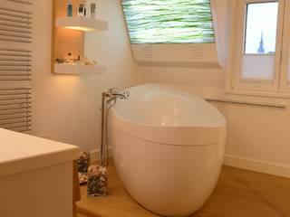 Wellnessbad:  Badezimmer von WOHNIDEEN Lebedies