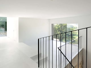 Koridor & Tangga Modern Oleh L3P Architekten ETH FH SIA AG Modern