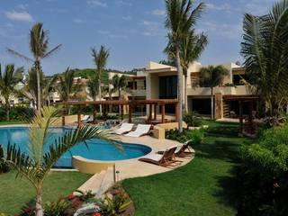 Villa Nilpy de Tropical America landscaping Moderno