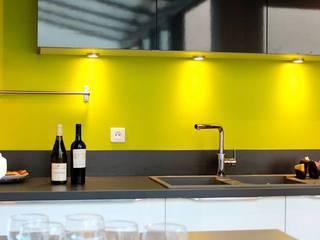 APRES TRAVAUX: Cuisine de style de style Moderne par SAS ACCTIF DESIGN