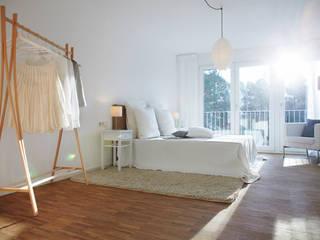 Home Staging Bavaria ห้องนอนWardrobes & closets ไม้