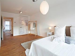 Home Staging Bavaria ห้องนอนของแต่งห้องนอนและอุปกรณ์จิปาถะ ไม้