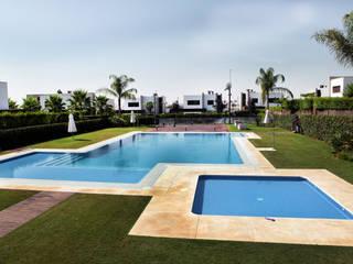La Laguna Piscinas de estilo moderno de CASTELLO ARQUITECTURA Moderno