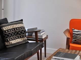 Goodbye Big Sofa! Hello Teak! von Hyggelig Berlin Skandinavisch