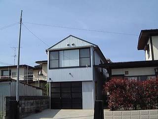 上町の家 離れ: 有限会社 矢萩浩次設計事務所が手掛けたです。